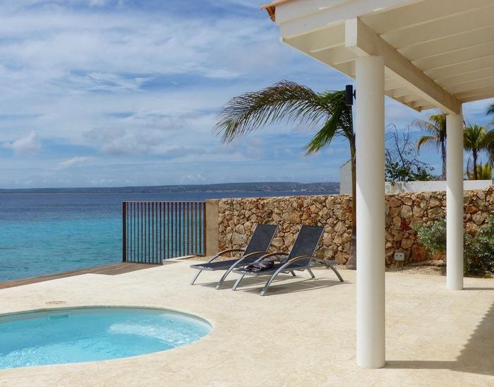 Bonaire oceanfront villa