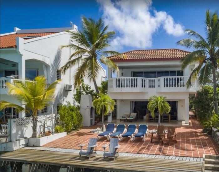 oceanfront apartment Casa at Sea