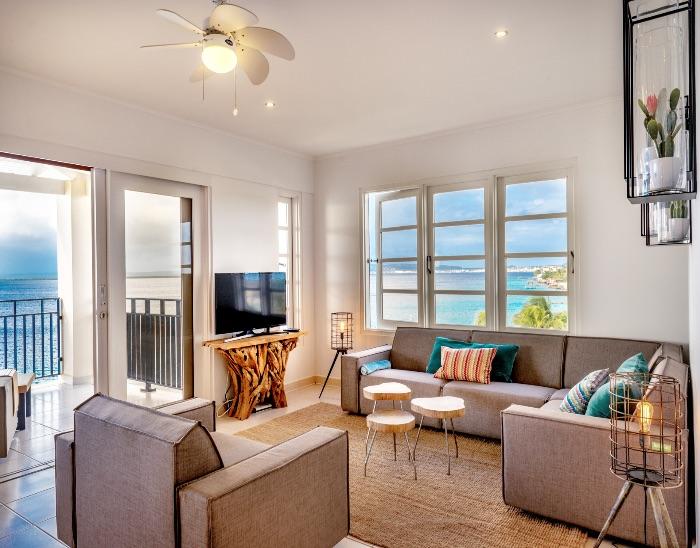oceanfront penthouse Bellevue 10