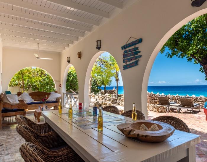 oceanfront villa bonaire op de maze