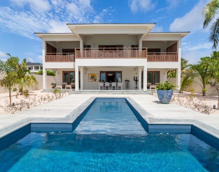 seafront vacation villa Casa at Sea